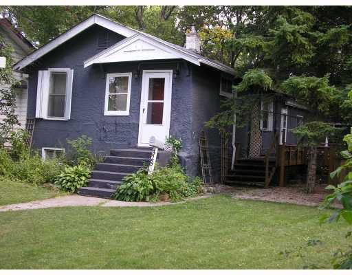 Main Photo: 328 LINDSAY Street in WINNIPEG: River Heights / Tuxedo / Linden Woods Residential for sale (South Winnipeg)  : MLS®# 2714104