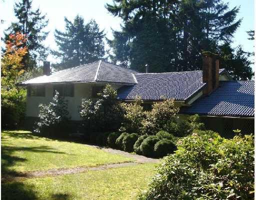 "Main Photo: 746 ROBINSON Street in Coquitlam: Coquitlam West House for sale in ""COQUITLAM WEST"" : MLS®# V736602"