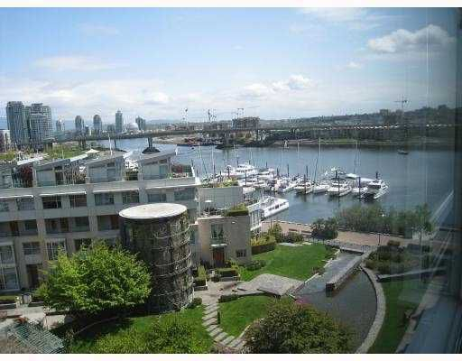 """Main Photo: 807 1288 MARINASIDE Crescent in Vancouver: False Creek North Condo for sale in """"CRESTMARK I"""" (Vancouver West)  : MLS®# V771154"""
