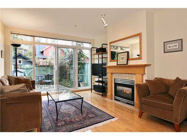 "Main Photo: 111 2929 W 4TH Avenue in Vancouver: Kitsilano Condo for sale in ""THE MADISON"" (Vancouver West)  : MLS®# V820310"
