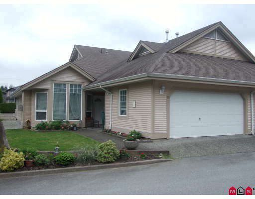 "Main Photo: 90 9025 216TH Street in Langley: Walnut Grove Townhouse for sale in ""Coventry Woods"" : MLS®# F2820777"