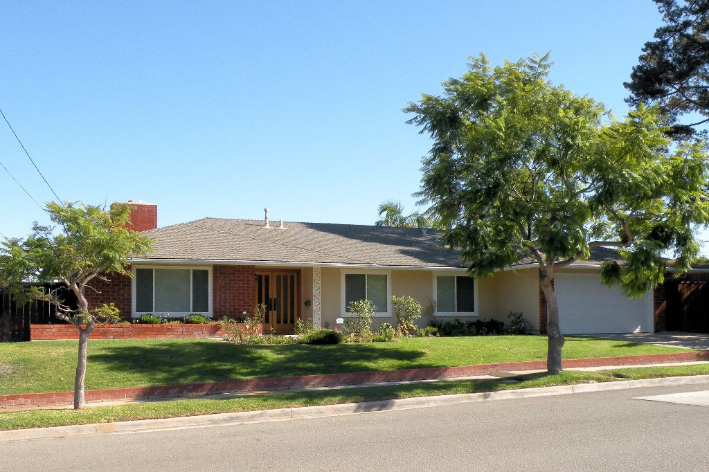 Main Photo: UNIVERSITY CITY House for sale : 3 bedrooms : 5783 Honors Drive in San Diego