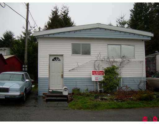 """Main Photo: 9132 120 Street in Surrey: Queen Mary Park Surrey Manufactured Home for sale in """"SCOTT PLAZA"""" : MLS®# F2700303"""