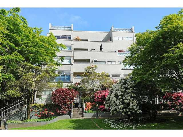 """Main Photo: 203 1477 FOUNTAIN Way in Vancouver: False Creek Condo for sale in """"FOUNTAIN TERRACE"""" (Vancouver West)  : MLS®# V827078"""