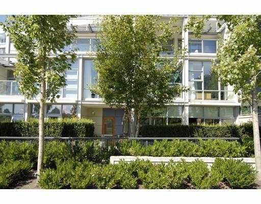 """Main Photo: 102 633 KINGHORNE MEWS BB in Vancouver: False Creek North Townhouse for sale in """"ICON2"""" (Vancouver West)  : MLS®# V748056"""