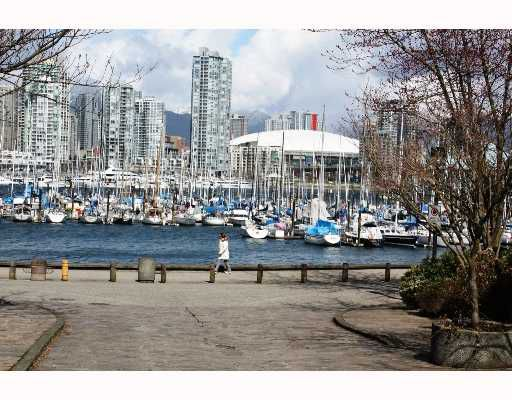 """Main Photo: 815 SAWCUT BB in Vancouver: False Creek Townhouse for sale in """"HEATHER POINT"""" (Vancouver West)  : MLS®# V759848"""