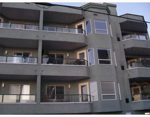 """Main Photo: 301 175 W 4TH Street in North_Vancouver: Lower Lonsdale Condo for sale in """"ADMIRALTY COURT"""" (North Vancouver)  : MLS®# V750611"""