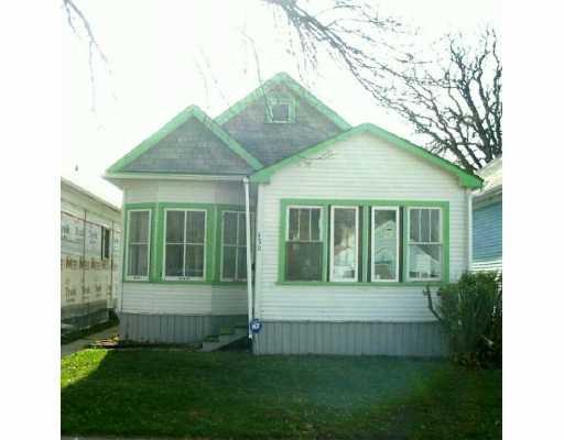Main Photo:  in Winnipeg: East Kildonan Single Family Detached for sale (North East Winnipeg)  : MLS®# 2616352