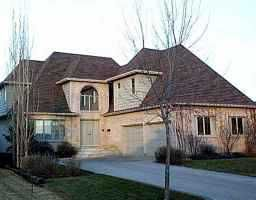 Main Photo: 125 PARK Place West in WINNIPEG: River Heights / Tuxedo / Linden Woods Single Family Detached for sale (South Winnipeg)  : MLS®# 9916485