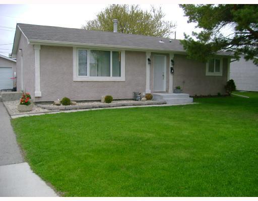 Main Photo: 6 LADYWOOD Drive in WINNIPEG: St James Residential for sale (West Winnipeg)  : MLS®# 2808872