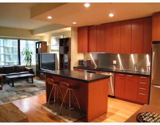 """Main Photo: 907 1333 W GEORGIA Street in Vancouver: Coal Harbour Condo for sale in """"THE QUBE"""" (Vancouver West)  : MLS®# V748187"""
