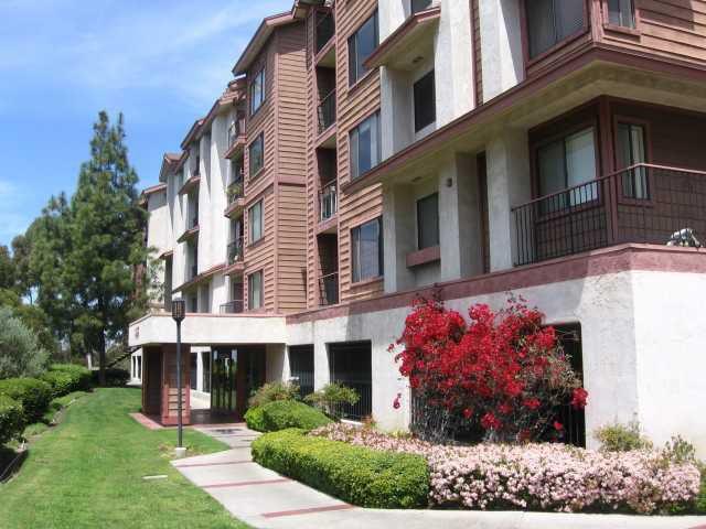 Main Photo: SAN DIEGO Condo for sale : 2 bedrooms : 3955 Faircross #80