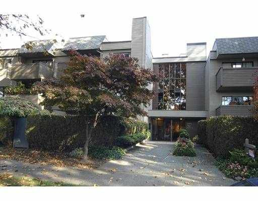 """Main Photo: 201 1424 WALNUT Street in Vancouver: Kitsilano Condo for sale in """"WALNUT PLACE"""" (Vancouver West)  : MLS®# V739806"""