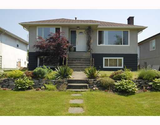 Main Photo: 4576 CARIBOO Street in Vancouver: Collingwood VE House for sale (Vancouver East)  : MLS®# V777278