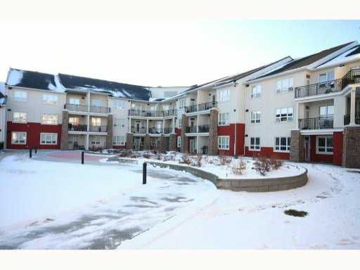 Main Photo: 335 26 VAL GARDENA View SW in CALGARY: Springbank Hill Condo for sale (Calgary)  : MLS®# C3403724