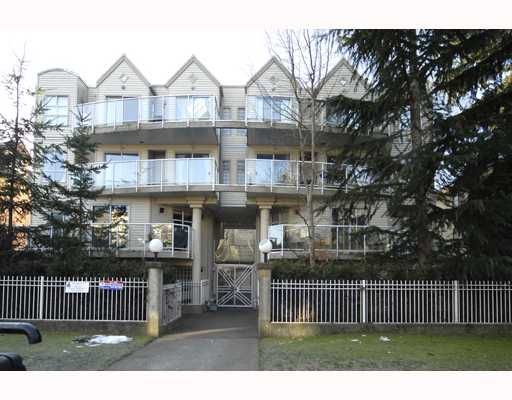 "Main Photo: 204 966 W 14TH Avenue in Vancouver: Fairview VW Condo for sale in ""WINDSOR GARDENS"" (Vancouver West)  : MLS®# V749908"