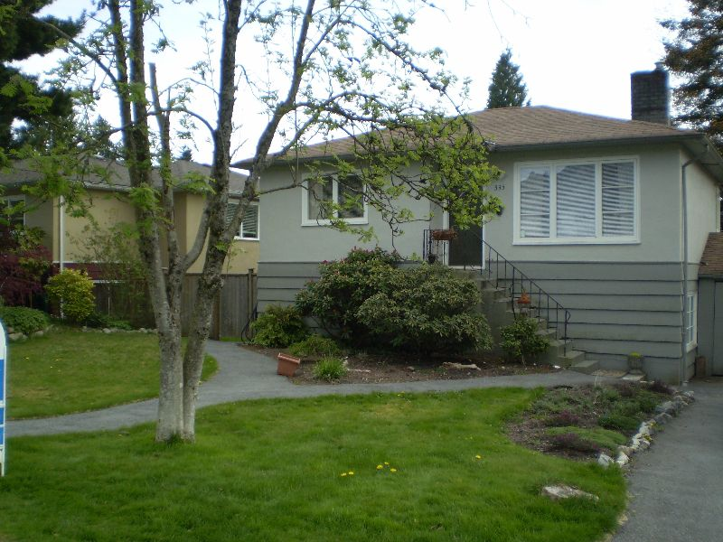 Main Photo: 335 E 20TH Street in North_Vancouver: Central Lonsdale House for sale (North Vancouver)  : MLS®# V764141