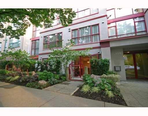 Main Photo: 102 2140 W 12TH Avenue in Vancouver: Kitsilano Condo for sale (Vancouver West)  : MLS®# V771663