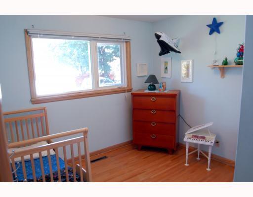 Photo 8: Photos: 809 OAKENWALD Avenue in WINNIPEG: Fort Garry / Whyte Ridge / St Norbert Residential for sale (South Winnipeg)  : MLS®# 2917814