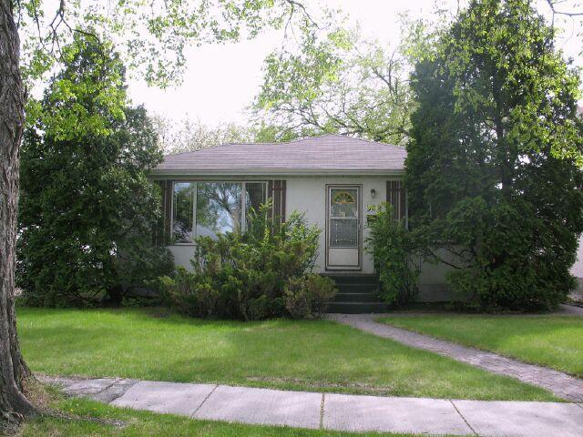 Main Photo:  in WINNIPEG: East Kildonan Residential for sale (North East Winnipeg)  : MLS®# 1009293