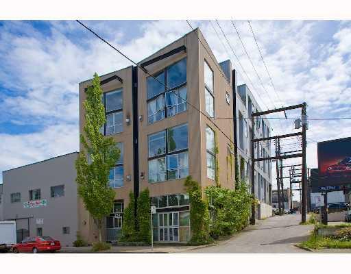 "Main Photo: 303 234 E 5TH Avenue in Vancouver: Mount Pleasant VE Condo for sale in ""THE GRANITE BLOCK"" (Vancouver East)  : MLS®# V761657"
