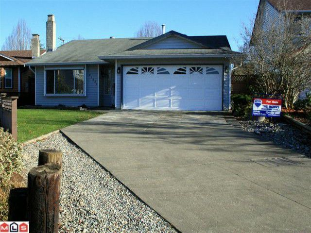Main Photo: 21579 94A Avenue in Langley: Walnut Grove House for sale : MLS®# F1028098