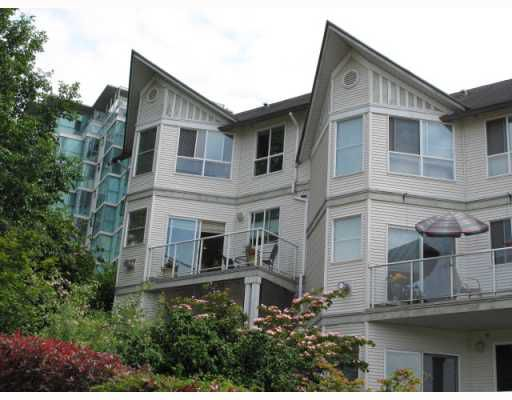 """Main Photo: 11 2711 E KENT NORTH Avenue in Vancouver: Fraserview VE Townhouse for sale in """"RIVERSIDE GARDENS"""" (Vancouver East)  : MLS®# V771283"""