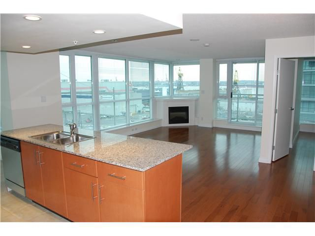 Main Photo: 703 188 E ESPLANADE Street in North Vancouver: Lower Lonsdale Condo for sale : MLS®# V859653