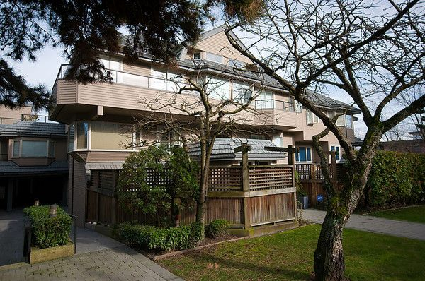 Main Photo: 2419 W 1ST Avenue in Vancouver: Kitsilano Townhouse for sale (Vancouver West)  : MLS®# V868161