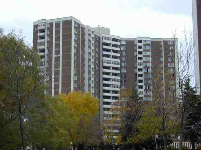 Main Photo: 7 60 Pavane Linkway in Toronto: Condo for sale (E03: TORONTO)  : MLS®# E1527464
