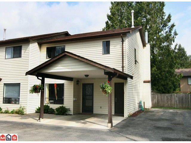 "Main Photo: 2 4840 207 Street in Langley: Langley City Townhouse for sale in ""Cedarbrook Court"" : MLS®# F1011147"