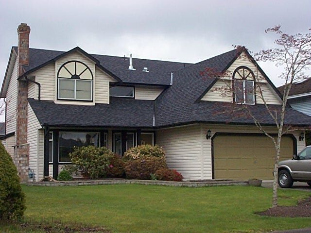 """Main Photo: 15471 93A Avenue in Surrey: Fleetwood Tynehead House for sale in """"Berkshire"""" : MLS®# F1008463"""