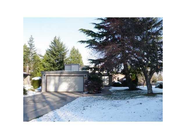 "Main Photo: 540 SHANNON Way in Tsawwassen: Pebble Hill House for sale in ""TSAWWASSEN HEIGHTS"" : MLS®# V859177"