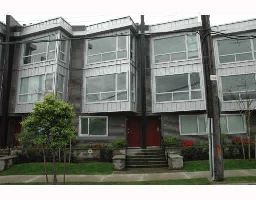 """Main Photo: 684 W 6TH Avenue in Vancouver: Fairview VW Townhouse for sale in """"BOHEMIA"""" (Vancouver West)  : MLS®# V765144"""