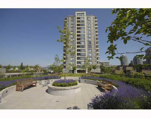 """Main Photo: 607 4182 DAWSON Street in Burnaby: Brentwood Park Condo for sale in """"TANDEM 3."""" (Burnaby North)  : MLS®# V721592"""