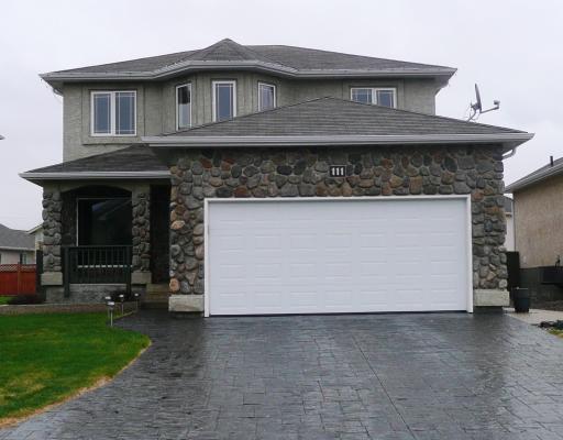 Main Photo: 111 NORCROSS Crescent in WINNIPEG: Windsor Park / Southdale / Island Lakes Residential for sale (South East Winnipeg)  : MLS®# 2908353