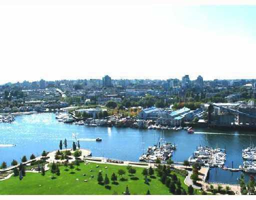 "Main Photo: 2002 583 BEACH Crescent in Vancouver: False Creek North Condo for sale in ""PARKWEST II"" (Vancouver West)  : MLS®# V748409"
