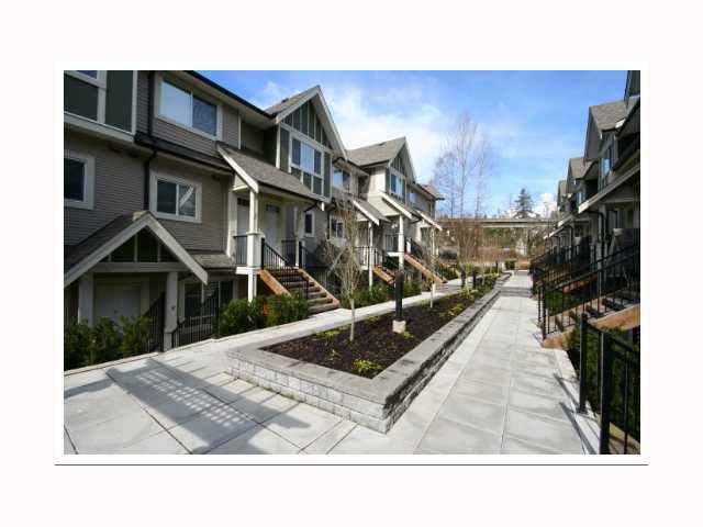 """Main Photo: 17 6888 RUMBLE Street in Burnaby: South Slope Townhouse for sale in """"CANYON WOODS"""" (Burnaby South)  : MLS®# V816119"""