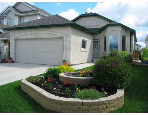 Main Photo: 142 EVERDEN Road in WINNIPEG: St Vital Residential for sale (South East Winnipeg)  : MLS®# 2810953