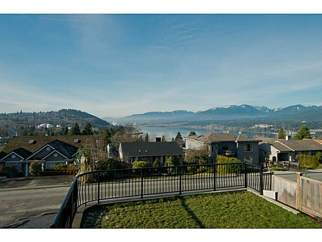 Main Photo: 7224 BRAESIDE Drive in Burnaby: Westridge BN House for sale (Burnaby North)  : MLS®# V1003188