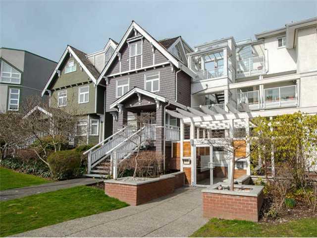 """Main Photo: 207 2175 W 3RD Avenue in Vancouver: Kitsilano Condo for sale in """"SEA BREEZE"""" (Vancouver West)  : MLS®# V1054518"""