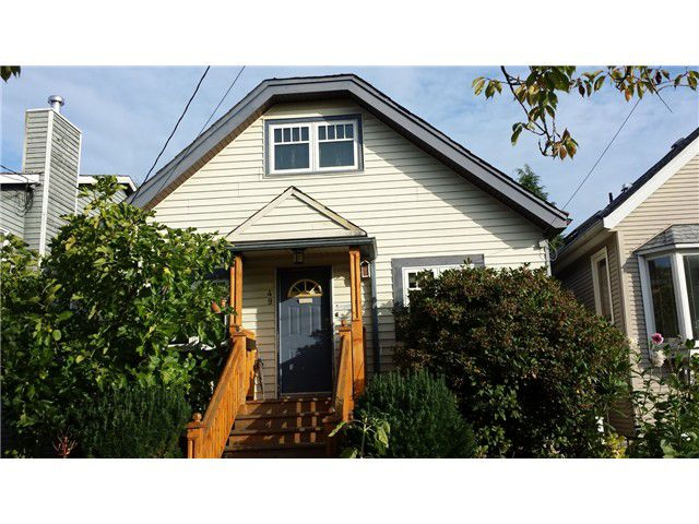 """Main Photo: 49 E 26TH Avenue in Vancouver: Main House  in """"MAIN STREET"""" (Vancouver East)  : MLS®# V1094939"""