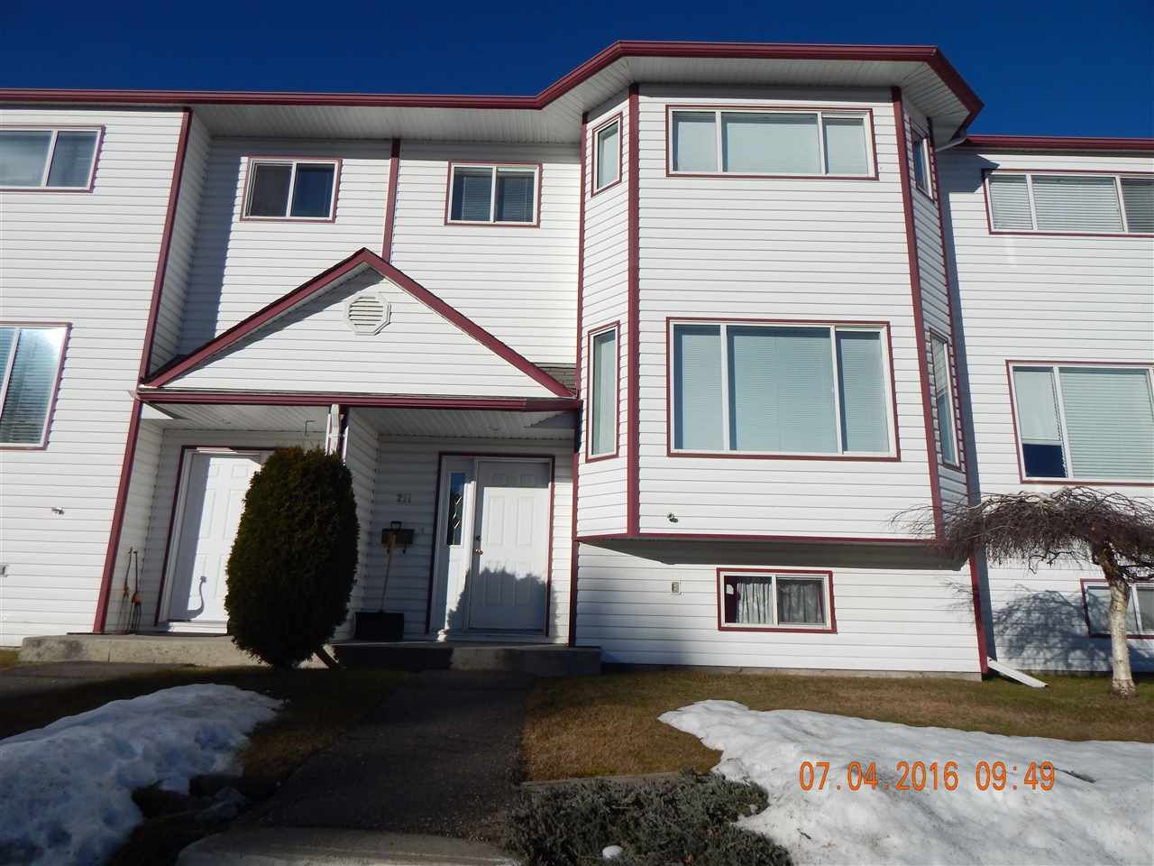 """Main Photo: 211 3015 ST ANNE Crescent in Prince George: St. Lawrence Heights Townhouse for sale in """"SOUTHRIDGE / ST LAWRENCE HEIGHTS"""" (PG City South (Zone 74))  : MLS®# R2044561"""