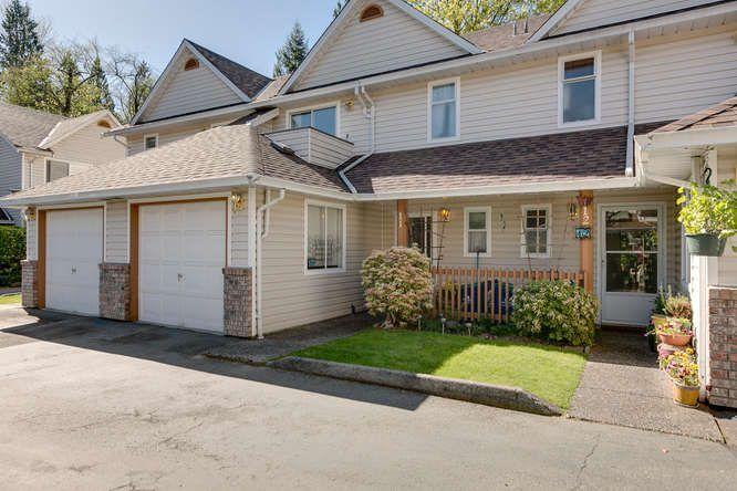 "Main Photo: 11 20699 120B Avenue in Maple Ridge: Northwest Maple Ridge Townhouse for sale in ""THE GATEWAY"" : MLS®# R2054939"