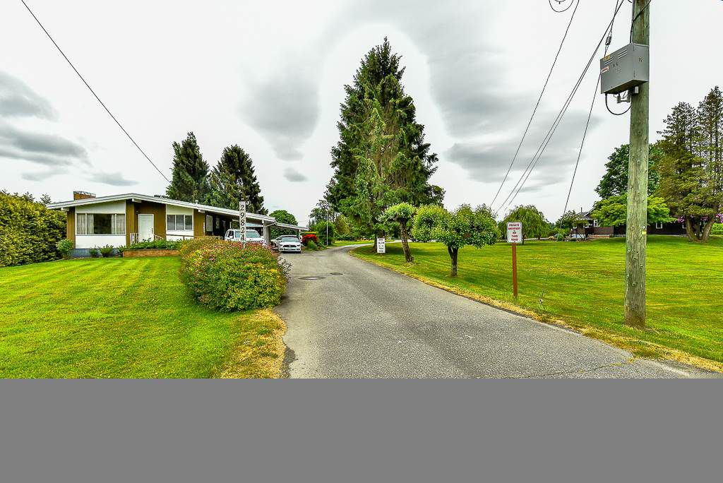 """Main Photo: 29788 FRASER Highway in Abbotsford: Aberdeen House for sale in """"Mt. Lehman"""" : MLS®# R2072584"""