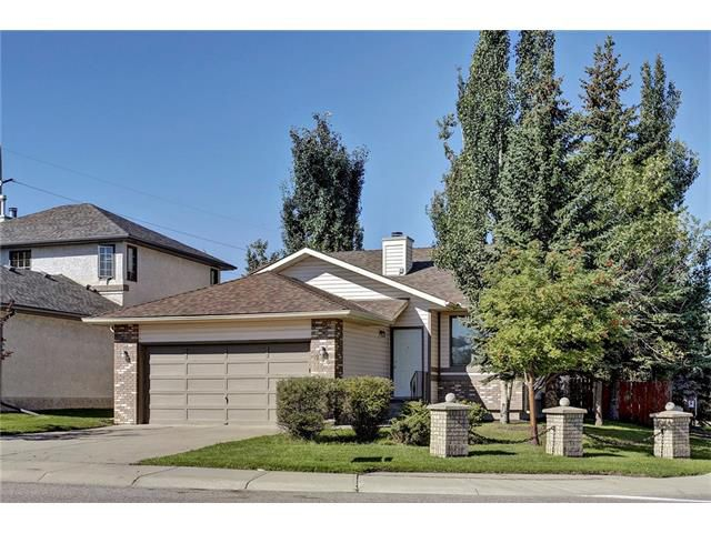 Main Photo: SW Calgary Bungalow For Sale