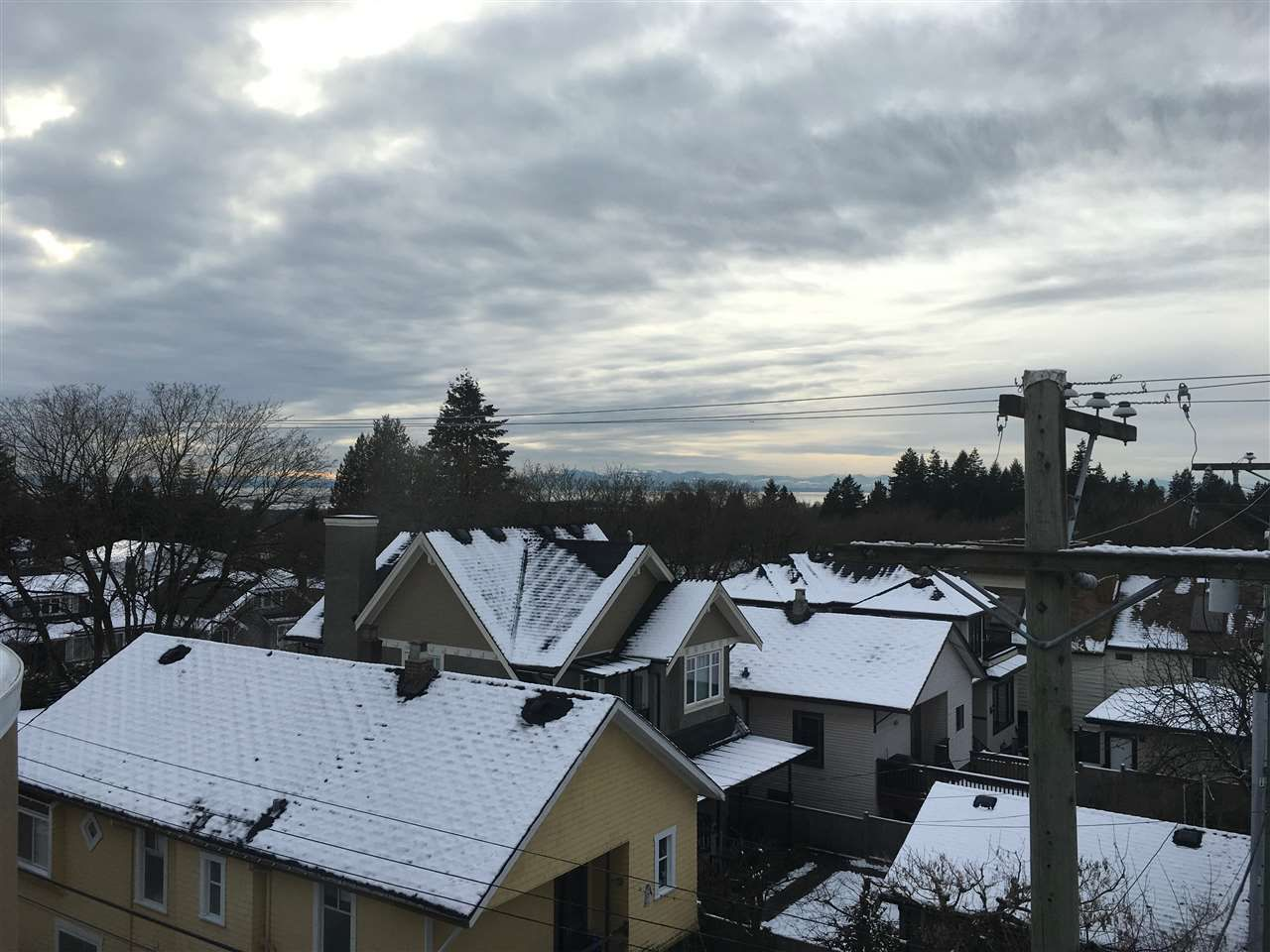 """Main Photo: 405 6237 WEST Boulevard in Vancouver: Kerrisdale Condo for sale in """"Hazelton Court"""" (Vancouver West)  : MLS®# R2123003"""