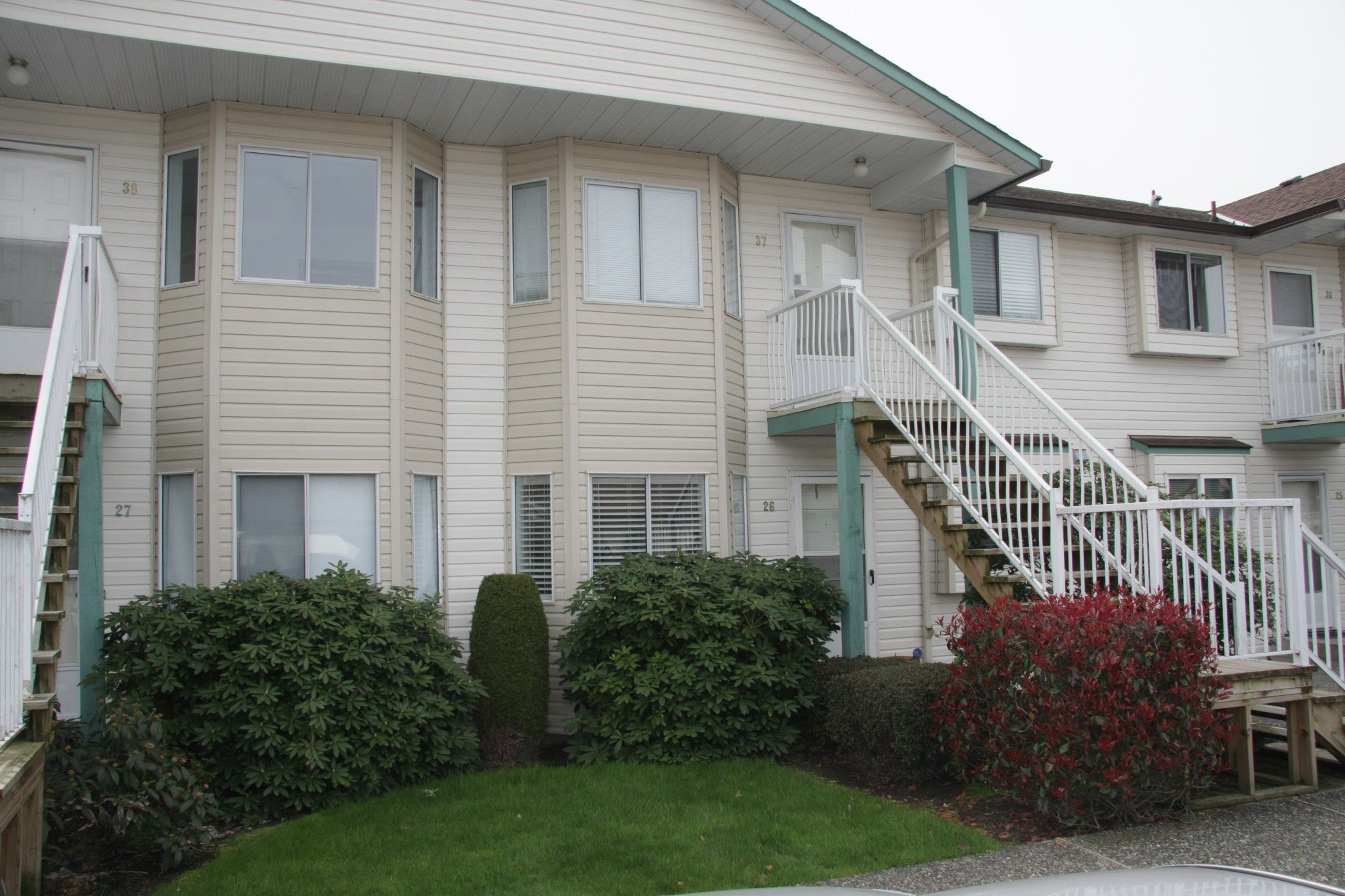 Main Photo: 26 45640 Storey Avenue in Chilliwack: Townhouse for sale : MLS®# R2259743