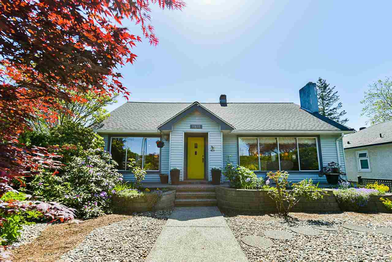 Main Photo: 1918 TENTH Avenue in New Westminster: West End NW House for sale : MLS®# R2369630