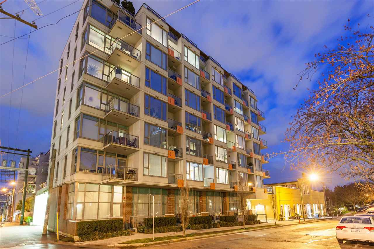 """Main Photo: 301 251 E 7TH Avenue in Vancouver: Mount Pleasant VE Condo for sale in """"The District"""" (Vancouver East)  : MLS®# R2375949"""